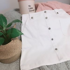 7th Avenue NY & Co White Utility Button Skirt